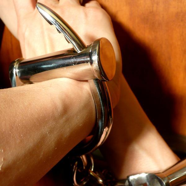 Darby - Handschellen, hochglänzend