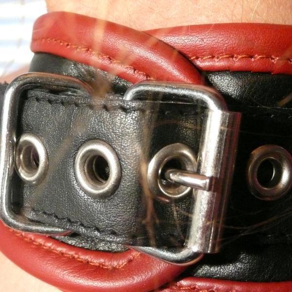 """Sefa"" - Halsband schwarz/bordeaux"