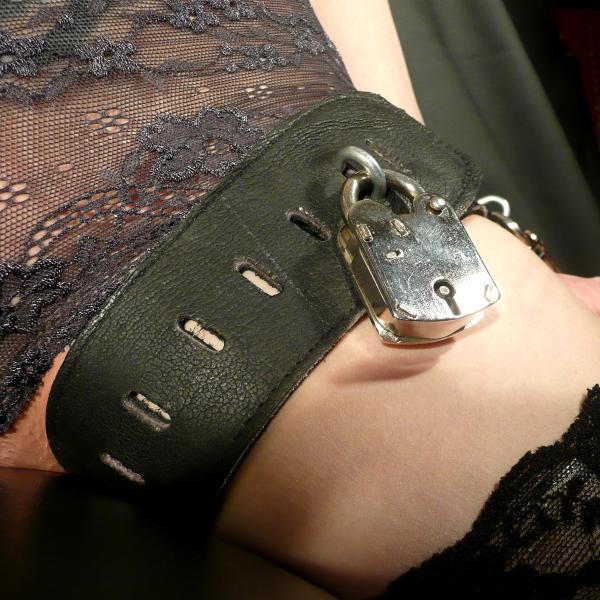 Mala Oberschenkel-Hand-Kombination