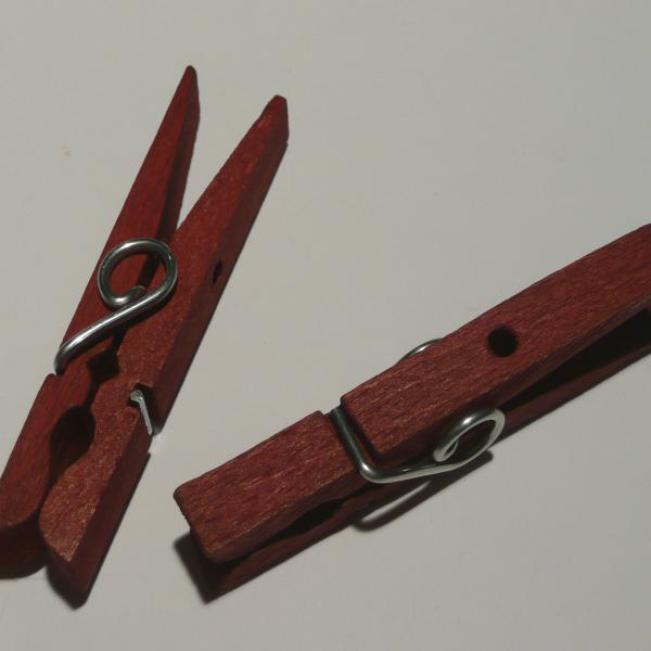 Holzklammern , 1 Paar rot